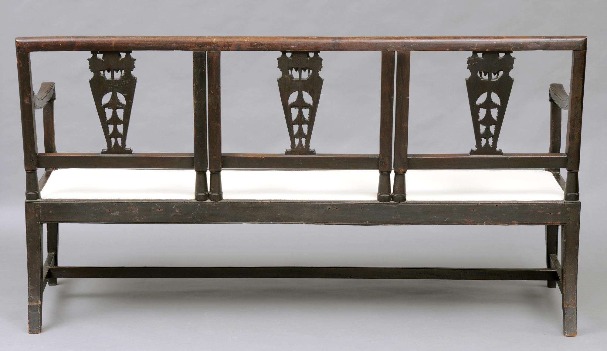 Italian Antique Settee with Carved Chinoiserie Heads