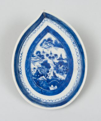 Chinese Export Leaf Dish