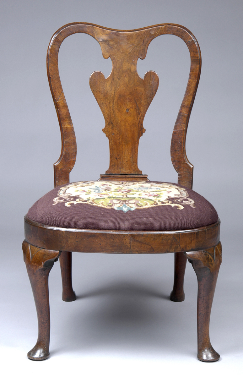 English Antique Period Queen Anne Walnut Side Chair - English Walnut Antique Side Chairs Queen Anne Walnut Side Chair