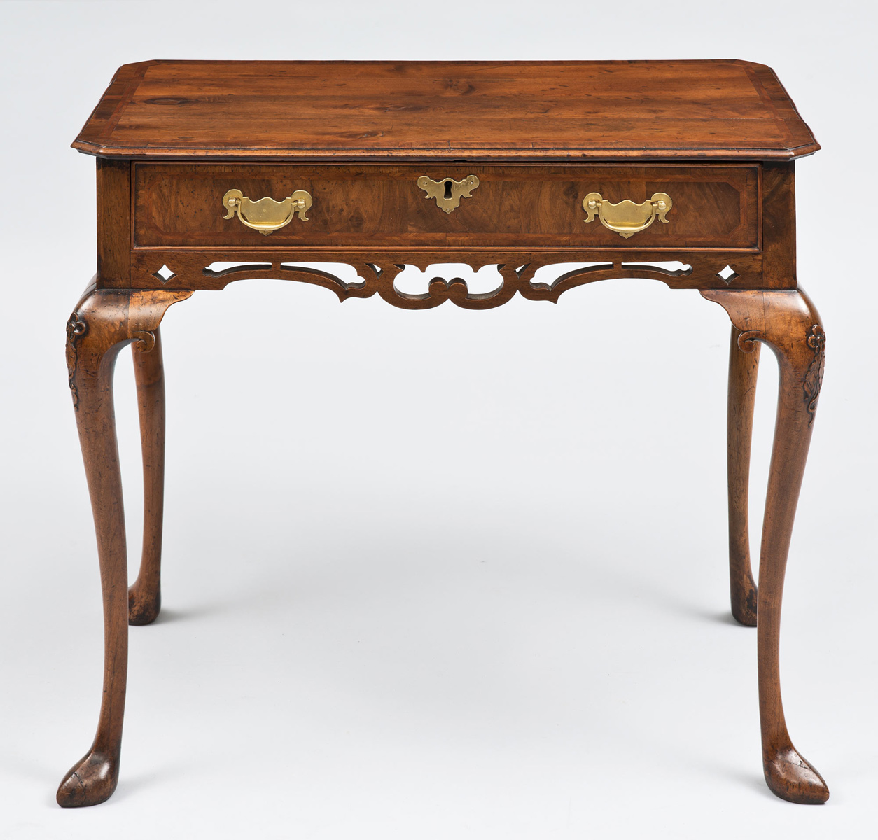 Queen Anne Walnut Side Table, Circa 1710 - Antique Side Tables Queen Anne Walnut Antique Side Table
