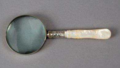 Small Magnifying Glass with Mother-of-Pearl Handle