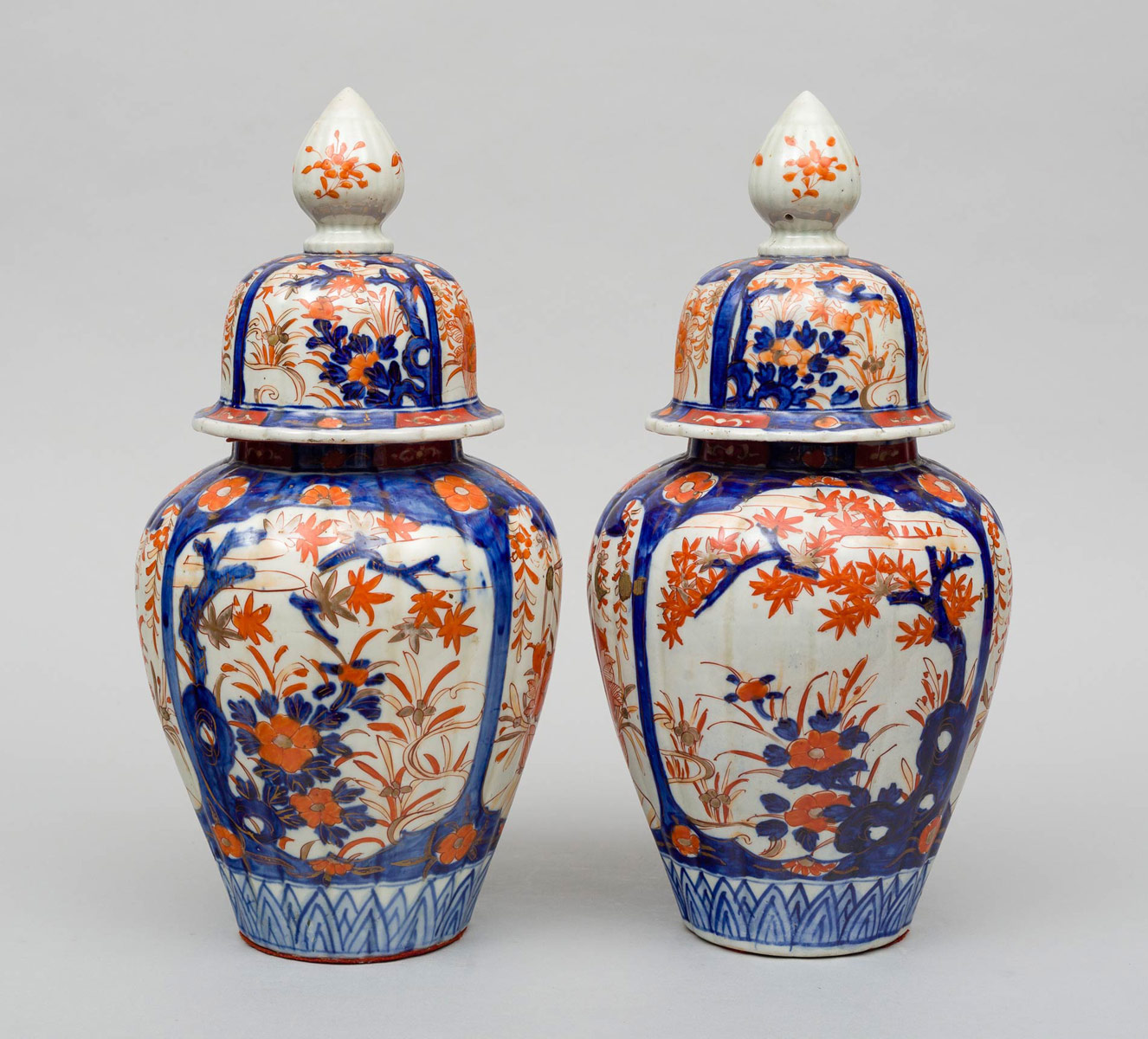 Of large imari vases with lids circa 1890 pair of large imari vases with lids circa 1890 reviewsmspy