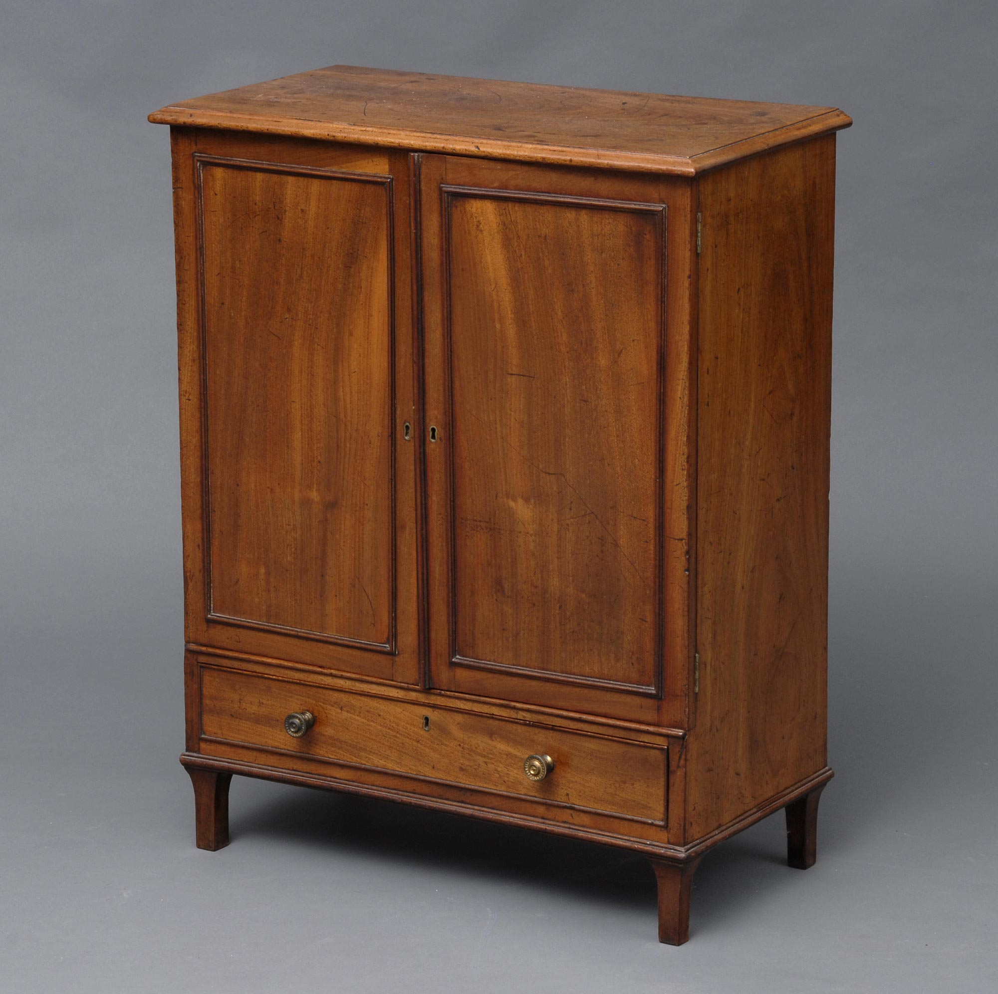 187 Product 187 Regency Small Cabinet