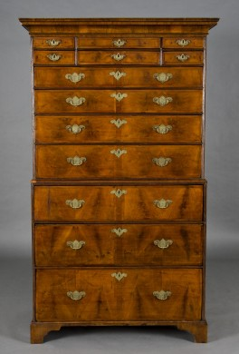 English Antique Georgian Walnut Chest on Chest (Tallboy), 18th Century