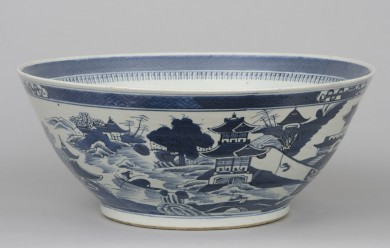 Large Chinese Export Canton Bowl