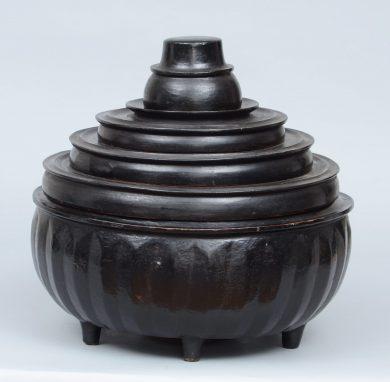 Hsun Kwet - Burmese Black Lacquer Offering Bowl